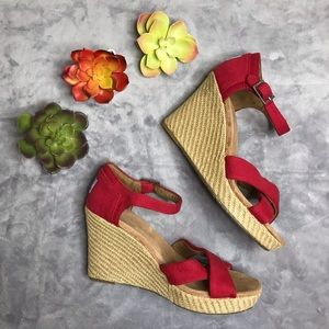 Red Tom's Wedges